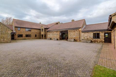 Back Lane, Hardingstone, Northampton. 5 bedroom detached house for sale