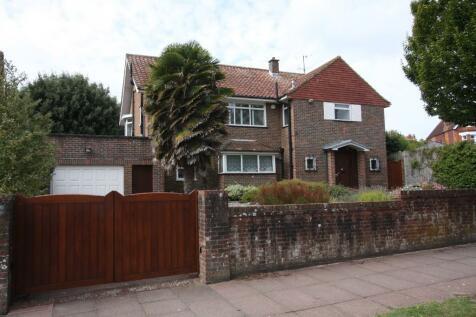 Earleydene, Chesterfield Road, Eastbourne. 4 bedroom detached house
