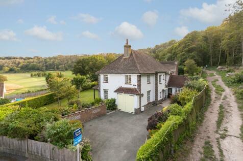 Hunter's Lodge, Pashley Road, Eastbourne, East Sussex, BN20. 4 bedroom detached house