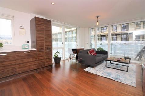 Arments Court, Elephant and Castle, SE5. 1 bedroom flat