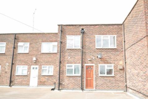 North Street, Hornchurch. 3 bedroom flat