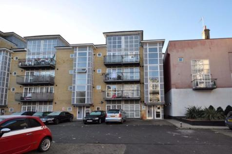 Malt House Place, Romford. 2 bedroom flat