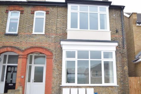 Clydesdale Road, Hornchurch. 2 bedroom flat