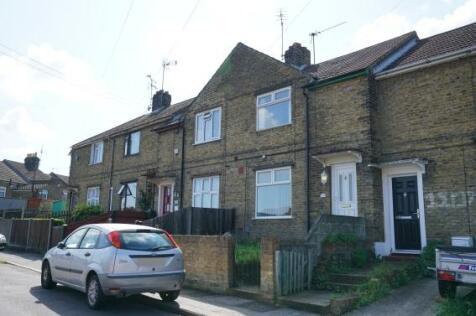 Longley Road, Rochester, Kent, ME1. 2 bedroom terraced house