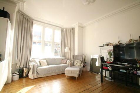 Park Lane , East Croydon. 2 bedroom ground maisonette