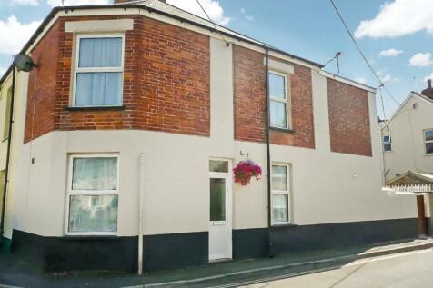 Newport, Barnstaple. 2 bedroom terraced house for sale