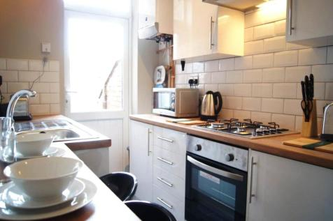 Stanhope Road, Doncaster, South Yorkshire, DN1. 4 bedroom terraced house for sale