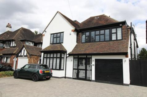Chislehurst Road, Petts Wood, Orpington, BR5. 5 bedroom detached house