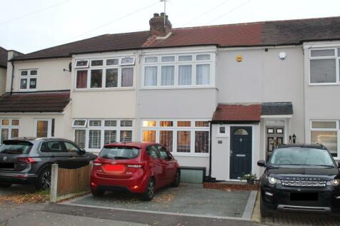Chestnut Glen, Hornchurch, Hornchurch, Essex, RM12 4HL. 2 bedroom terraced house for sale