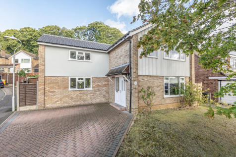 Woodlands Road, Ditton. 4 bedroom detached house