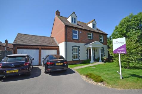 Robinson Close, Selsey, PO20, South East - Detached / 5 bedroom detached house for sale / £445,000