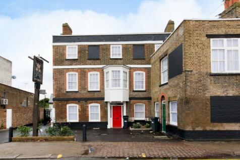 Rose & Crown Mews, Isleworth, Middlesex, TW7. Studio flat