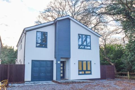Nestings, Barkham Ride, Wokingham, Berkshire, RG40. 4 bedroom detached house for sale