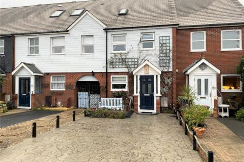 Castle View, Hardway, Gosport, Hampshire, PO12. 3 bedroom terraced house for sale