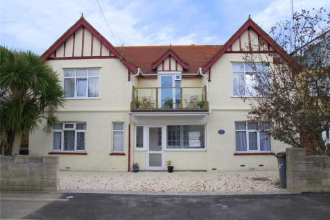 Portsmouth Road, Lee-On-The-Solent, Hampshire, PO13. 5 bedroom detached house