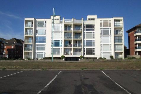 Solent Heights, 23 Marine Parade East, Lee-On-The-Solent, Hampshire, PO13. 3 bedroom apartment