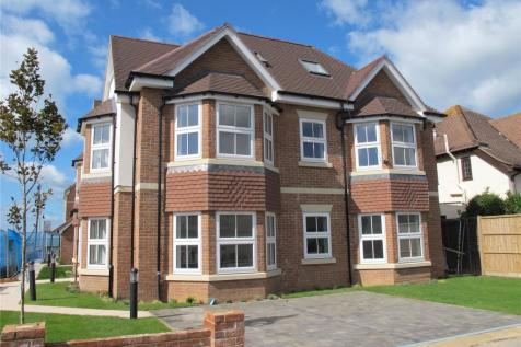 Osborne Road, Lee-On-The-Solent, Hampshire, PO13. 2 bedroom penthouse