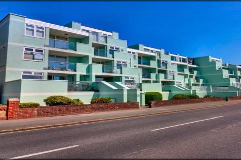 Promenade Court, 17-19 Marine Parade West, Lee-On-The-Solent, Hampshire, PO13. 2 bedroom penthouse