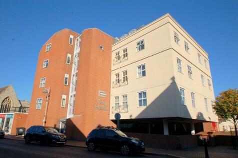 Cray House, 40 Stoke Road, Gosport, Hampshire, PO12. 2 bedroom apartment
