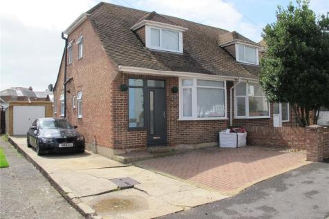 Gosport Road, Lee-On-The-Solent, Hampshire, PO13. 3 bedroom semi-detached house