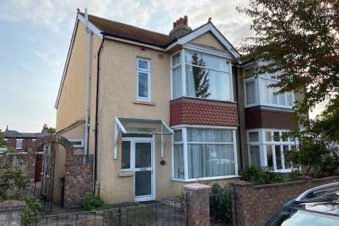 Walton Road, Gosport, Hampshire, PO12. 3 bedroom semi-detached house