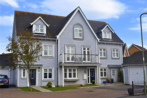 Magister Drive, Lee-On-The-Solent, Hampshire, PO13. 4 bedroom terraced house