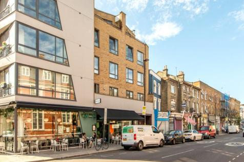Blackstock Road, London N5. 2 bedroom flat