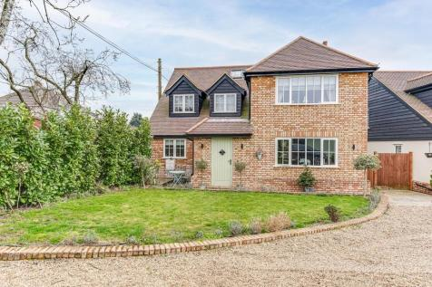 Nutwood Gardens, Goffs Oak, cheshunt property