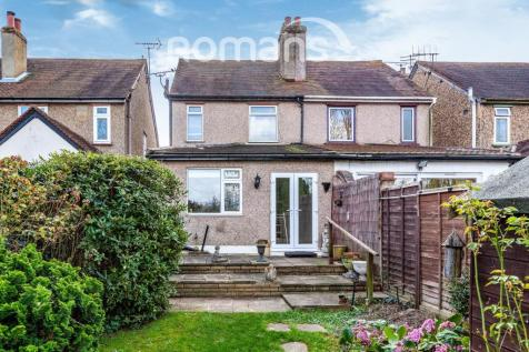 St. Johns Road, Slough. 2 bedroom semi-detached house
