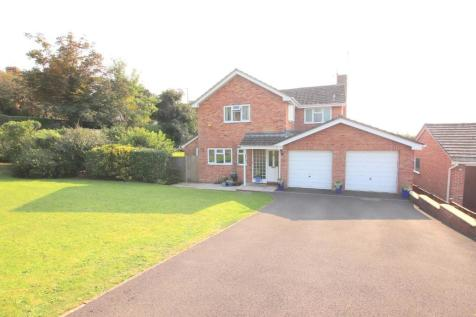 Ferndale Drive, Taunton, Somerset, TA1. 4 bedroom detached house