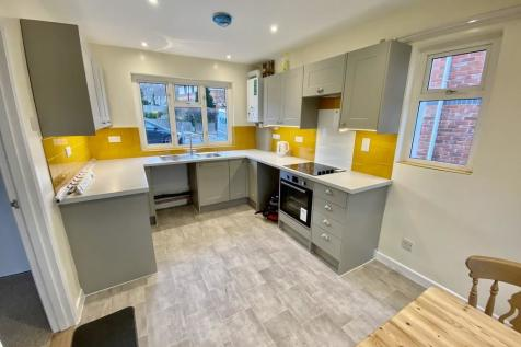 The Oval, Guildford. 3 bedroom semi-detached house