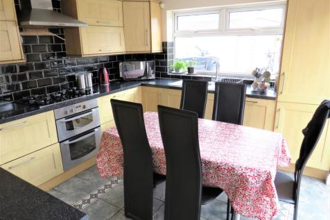 Garton End Road, Peterborough. 4 bedroom detached house for sale