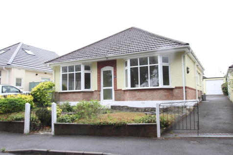 Heather View Road, Poole. 3 bedroom detached bungalow