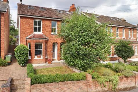St. James Park, Tunbridge Wells. 5 bedroom semi-detached house