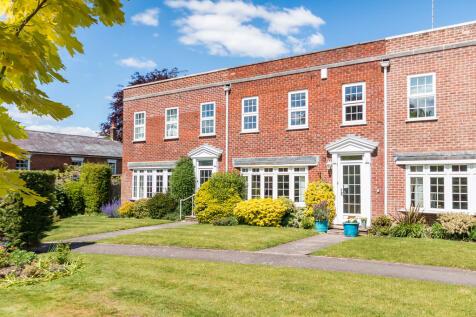 Merton Grove, Ringwood, Hampshire. 3 bedroom terraced house