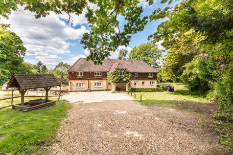 Poulner Common, Ringwood, Hampshire. 5 bedroom detached house