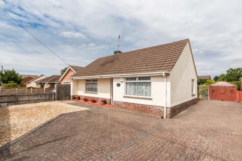Cloughs Road, Ringwood, Hampshire. 2 bedroom detached bungalow