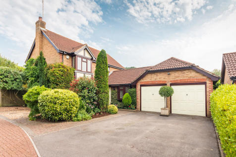 Watership Drive, Hightown, Ringwood. 4 bedroom detached house