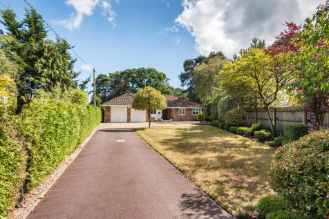 Laurel Lane, St Leonards, Ringwood. 4 bedroom detached bungalow