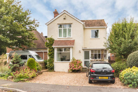 Eastfield Lane, Ringwood, Hampshire. 3 bedroom detached house for sale