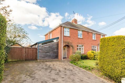 Parsonage Barn Lane, Ringwood, Hampshire. 4 bedroom semi-detached house