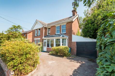Beechcroft Lane, Ringwood, Hampshire. 4 bedroom detached house