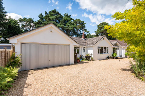 Webbs Close, Ashley Heath, Ringwood. 4 bedroom detached bungalow for sale