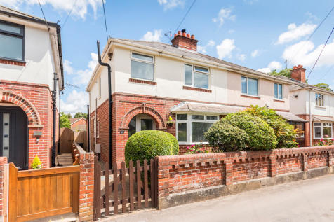 Quomp, Ringwood, Hampshire. 3 bedroom semi-detached house for sale