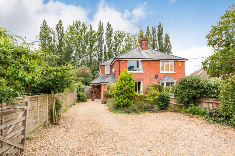 North Poulner Road, Ringwood, Hampshire. 3 bedroom semi-detached house