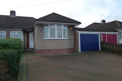 Longmead Drive, Sidcup, DA14 4NU. 2 bedroom semi-detached bungalow