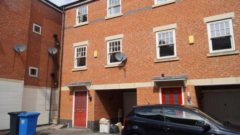 AURIGA COURT, CHESTER GREEN - AVAILABLE IMMEDIATELY. 3 bedroom town house