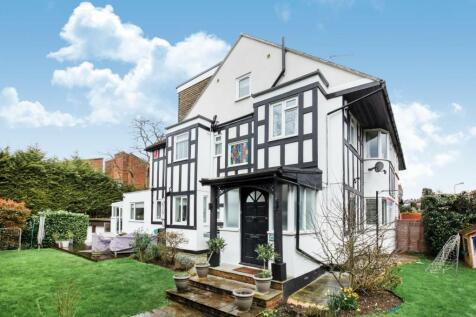 Holden Avenue, Woodside Park. 6 bedroom semi-detached house for sale