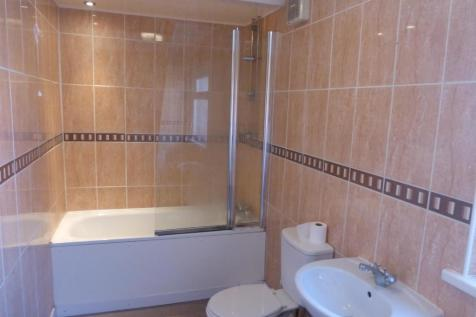 Holton Road, BARRY. 3 bedroom apartment