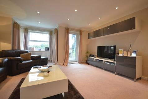 Copers Cope Road, Beckenham, BR3. 2 bedroom flat